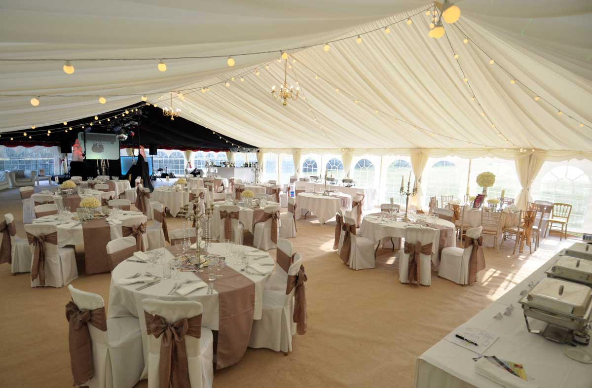 Top 10 Tips For Wedding Marquees